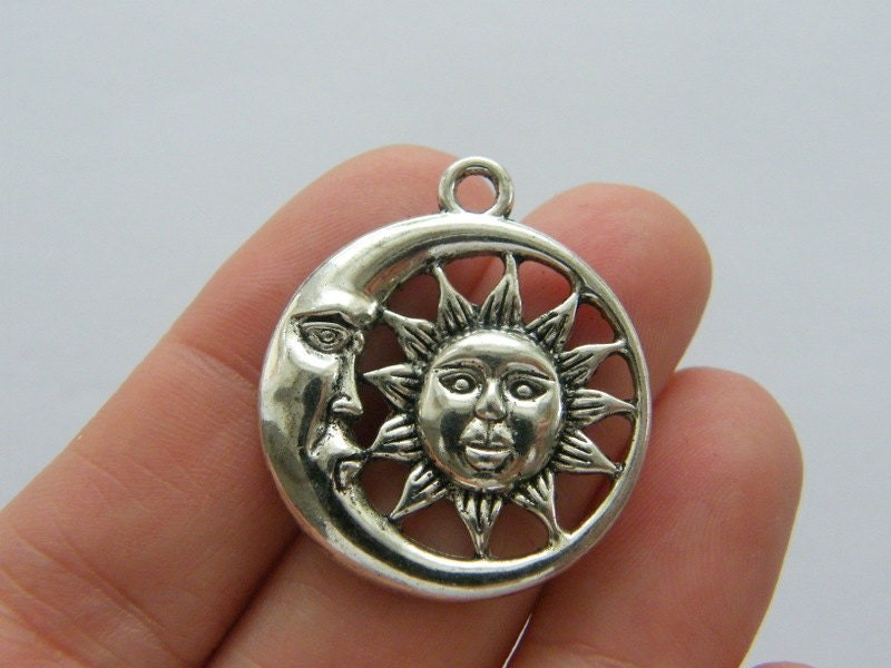 BULK 20 Moon and sun pendants antique silver tone S99