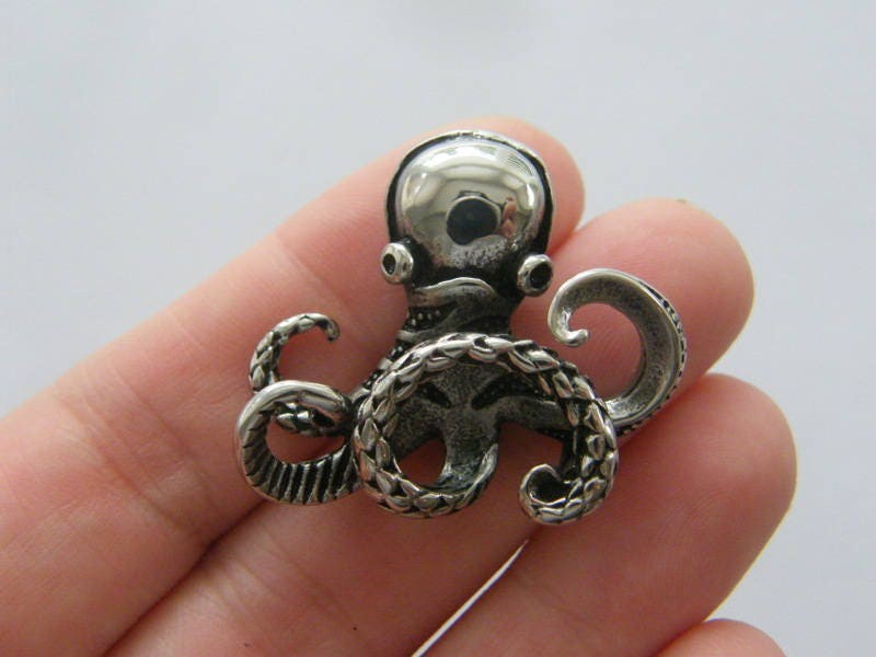 1 Octopus pendant antique silver tone stainless steel FF373