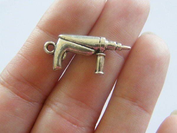 6 Drill charms  antique silver tone TU39