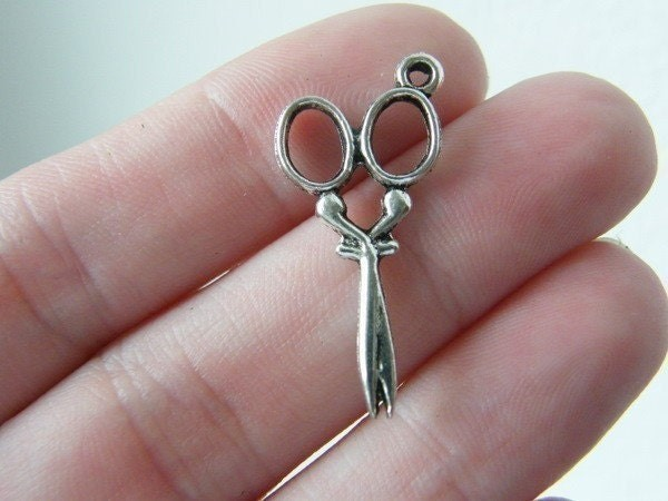 10 Pair of scissors antique silver tone SN3