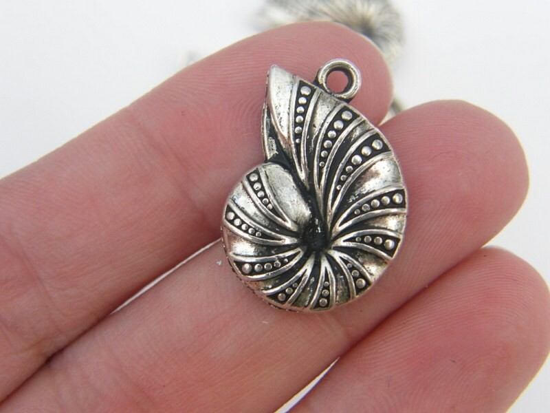 BULK 30 Shell pendants antique silver tone FF156