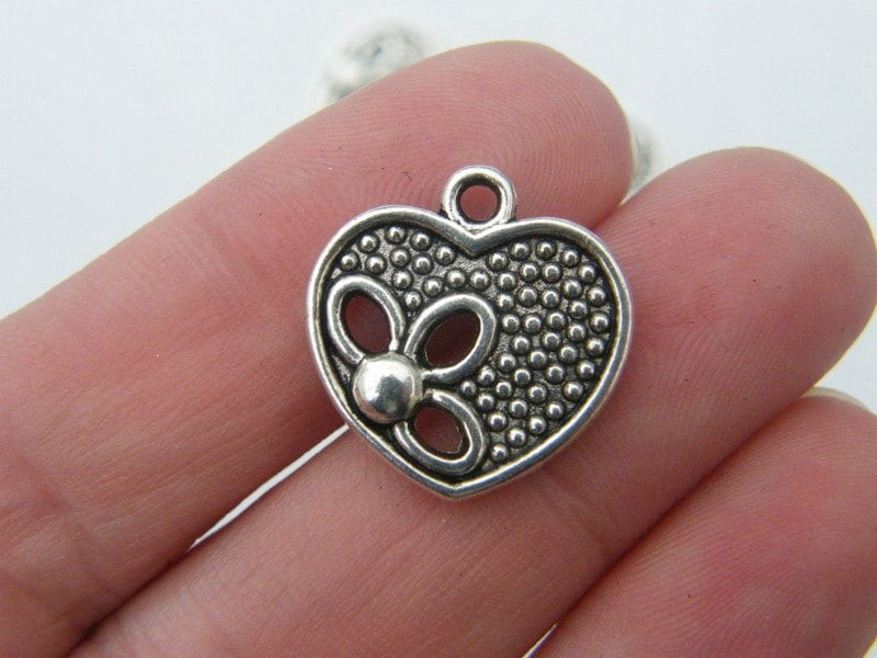 8 Heart charms antique silver tone H45