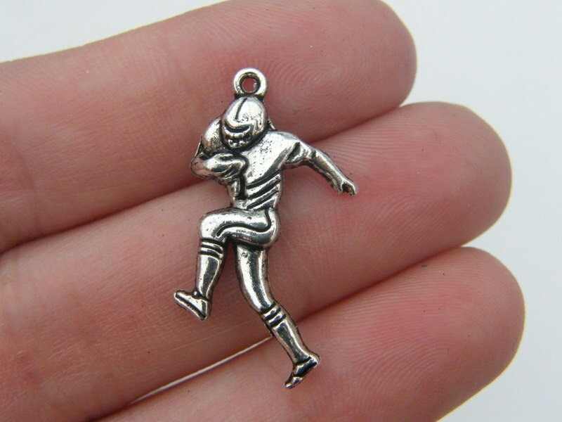 5 American football player pendants antique silver tone SP14