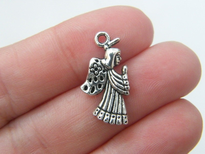 10 Angel charms antique silver tone AW84