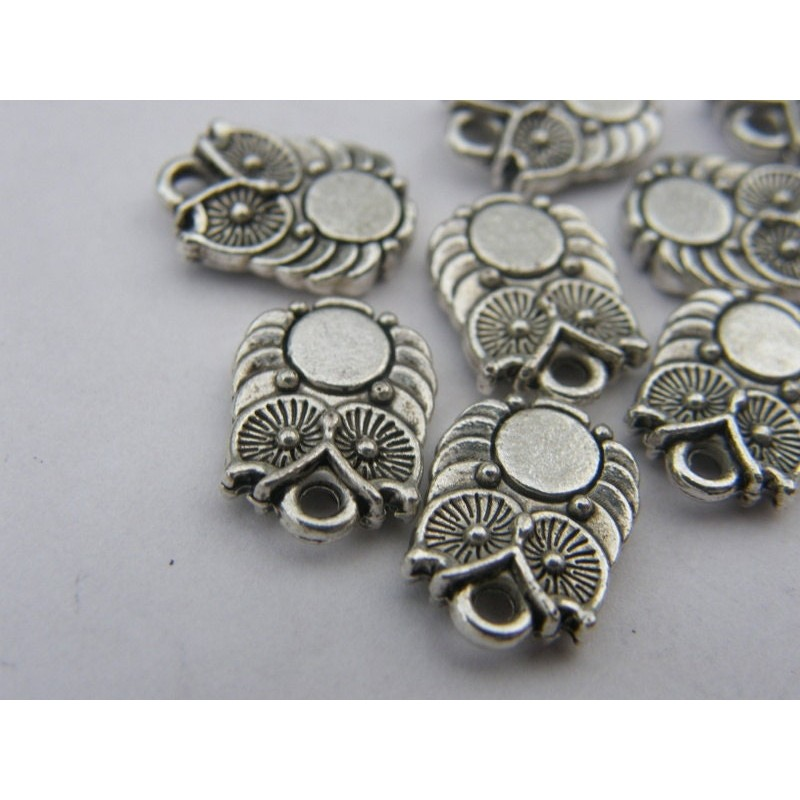 8 Owl Charms antique silver tone B311