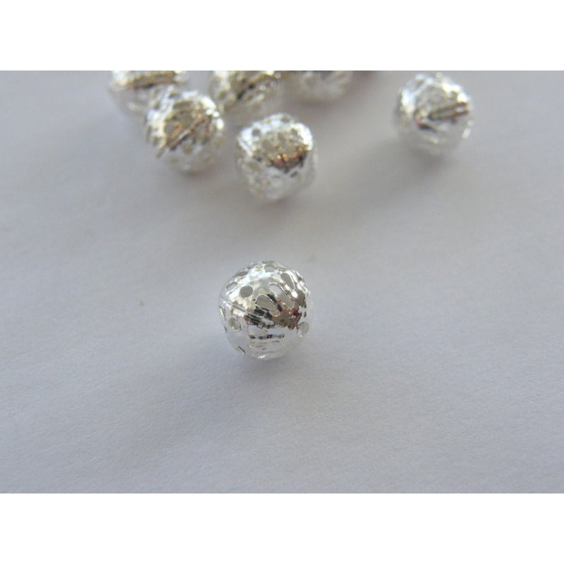 100 Spacer beads 8mm silver plated FS261