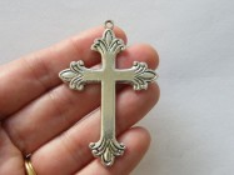 BULK 5 Cross pendants antique silver tone C49