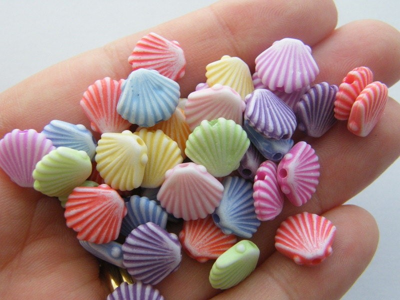 50 Shell beads acrylic AB22
