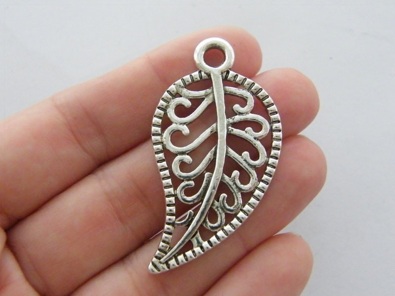 2 Leaf pendants antique silver tone L193