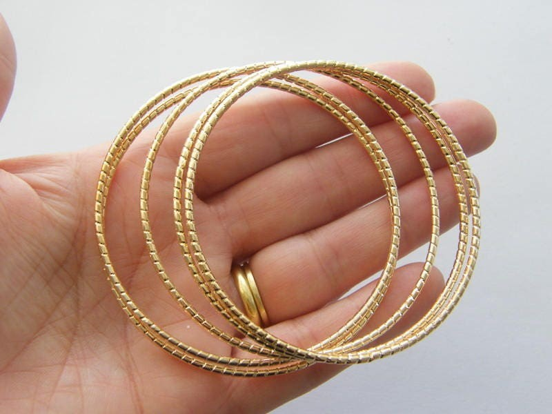 5 Stacking charm bracelet bangle 22cm pattern gold tone