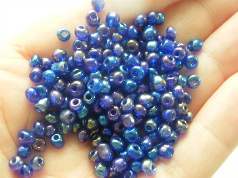400  Dark blue glass seed beads SB26