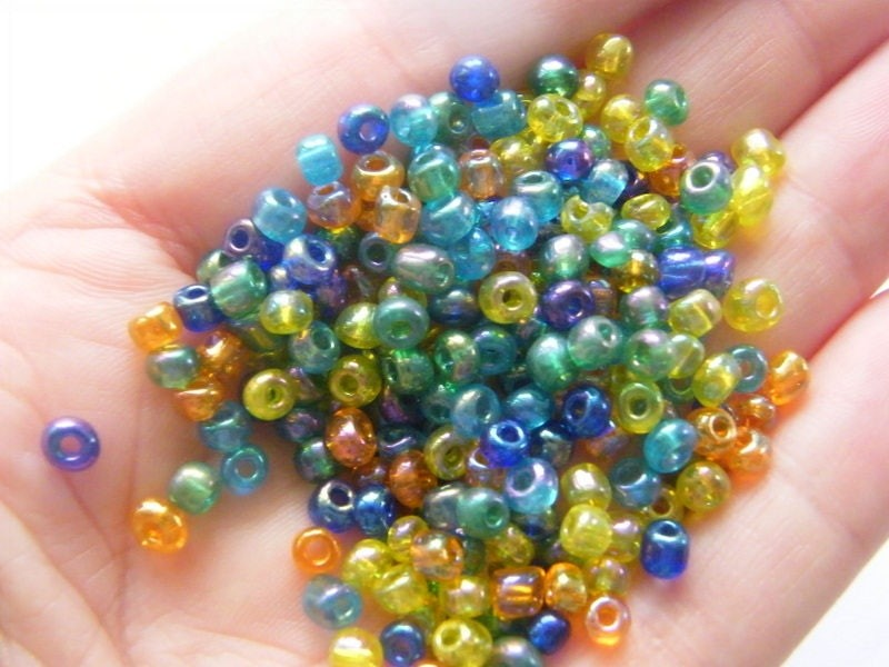 400 Mixed glass seed beads 4mm SB25