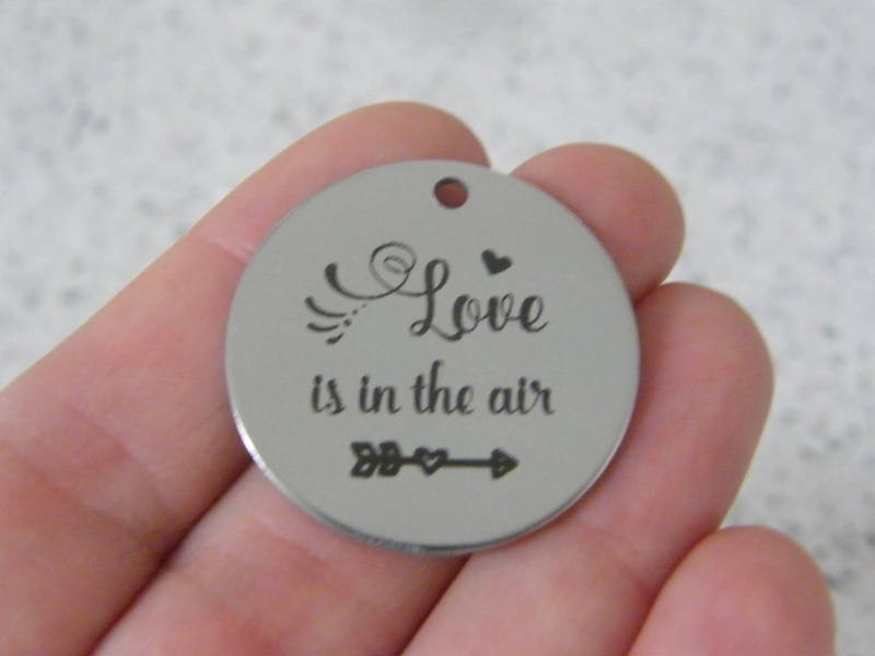 1 Love is in the air stainless steel pendant JS3-39