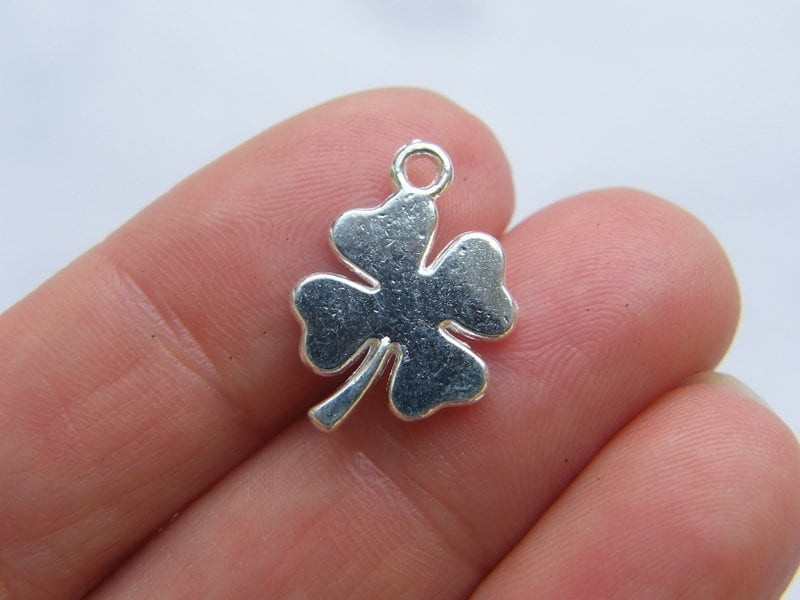 12 Four leaf clover charms silver plated tone L247