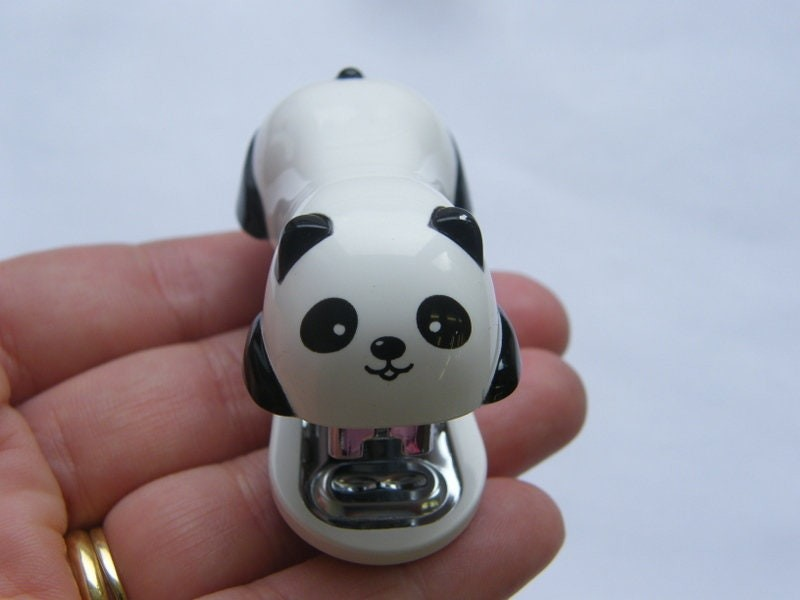 1 Panda mini stapler with 1000 staples