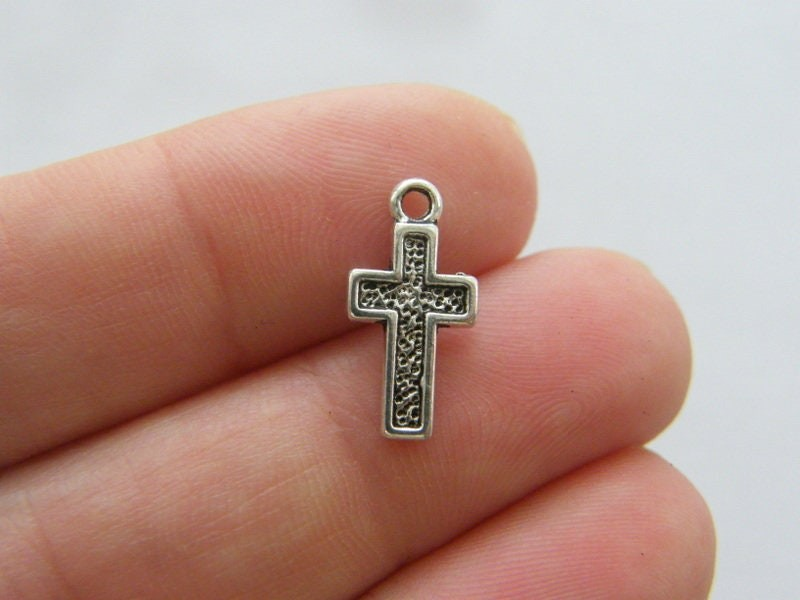 16 Cross charms antique silver tone C75