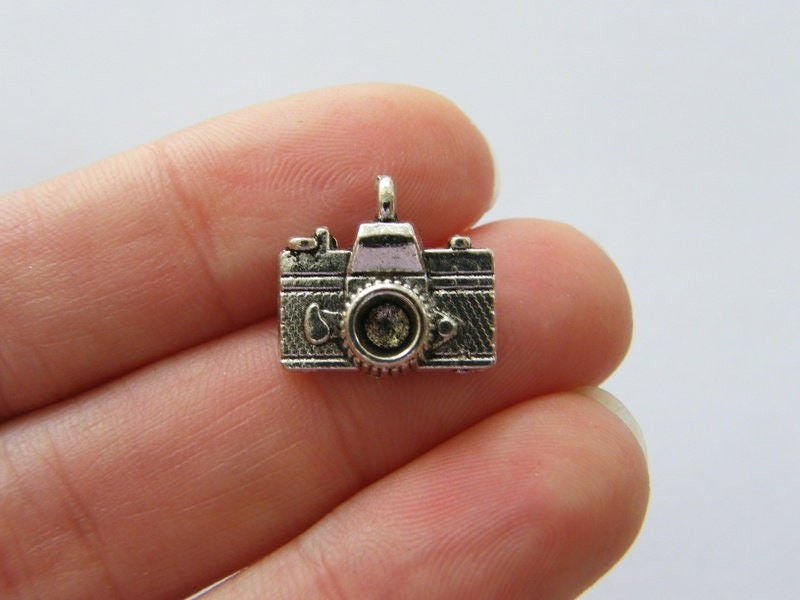 8 Camera charms antique silver tone P361