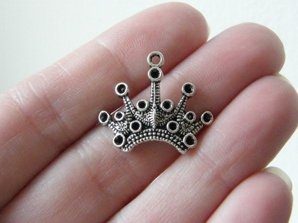 8 Crown charms tibetan silver CA12