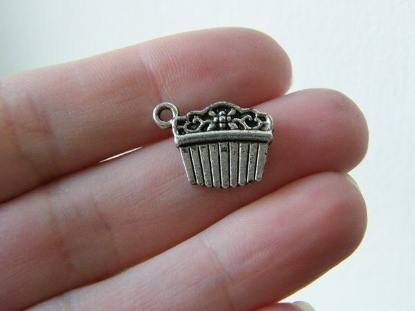 8 Hair comb or hair slide charms antique silver tone P224