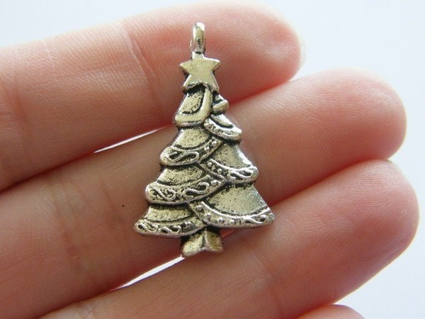 6 Christmas tree pendants antique silver tone CT4