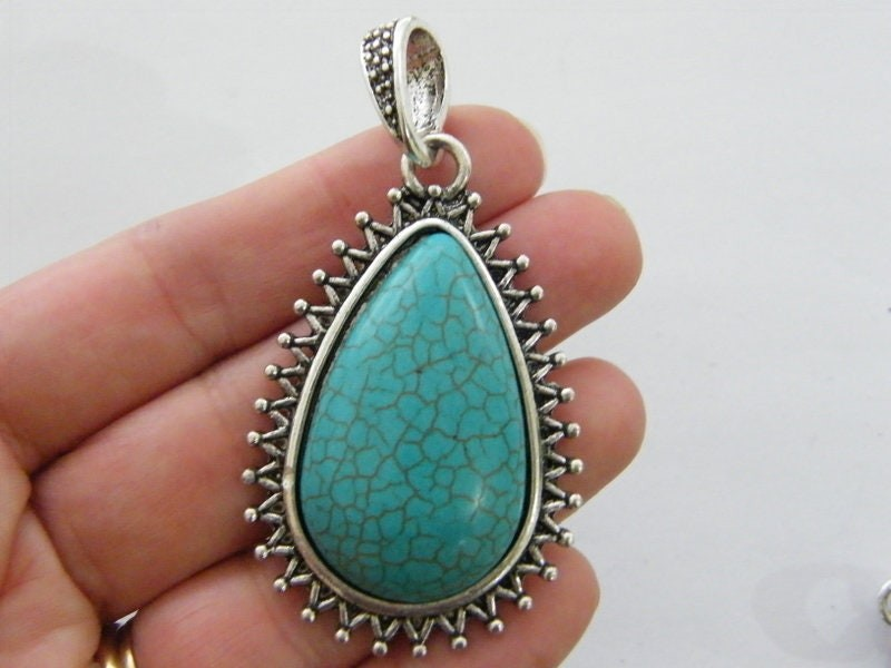 1 Pendant blue green antique silver tone FM196