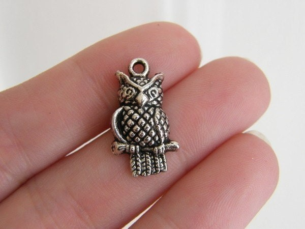 10 Owl charms antique silver tone B299