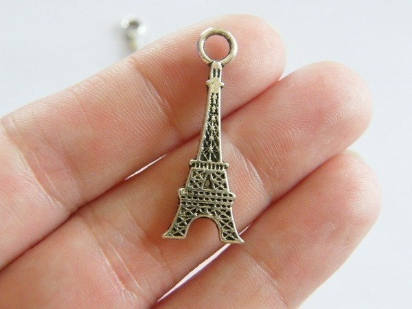 8 Eiffel tower charms antique silver tone WT32