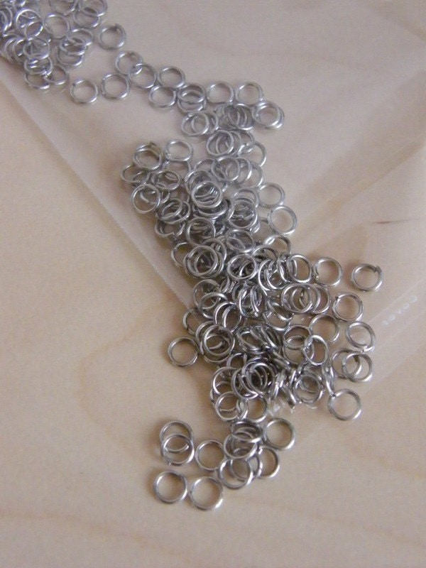 200 Jump rings 6mm silver tone