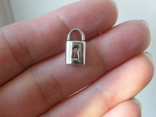 BULK 50 Lock charms antique silver tone K95