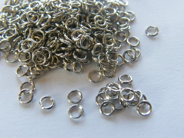 200 Jump rings 4mm silver tone stainless steel FS125