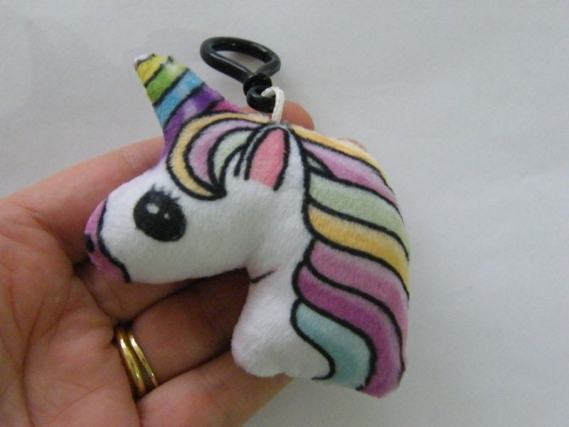 1 Unicorn rainbow and white material pendant  A905