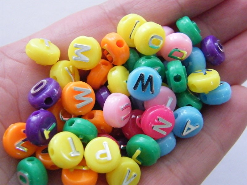 100 Acrylic alphabet 10mm letter RANDOM beads BB584