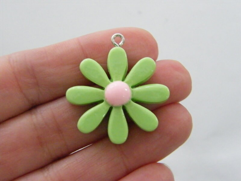 4 Flower pendants green and pink resin F337