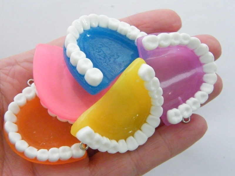 BULK 20 False teeth pendants  random mixed resin  MD