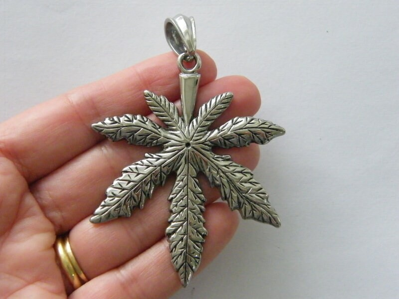 1 Marijuana weed leaf pendant antique silver tone stainless steel L95