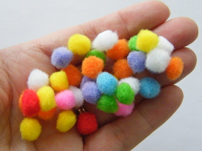 100 Pom pom random mixed 10mm ST