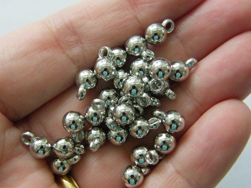 200 Round Christmas bauble charms CCB plastic CT155