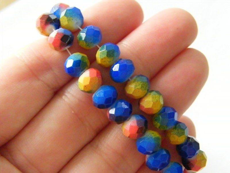 100 Faceted mulitcolour beads  8mm glass B183