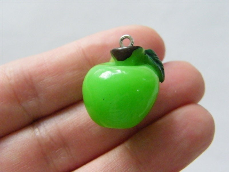 4 Apple pendants green brown resin FD492