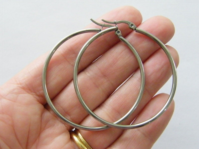 2 Stainless steel earring hoops FS02P