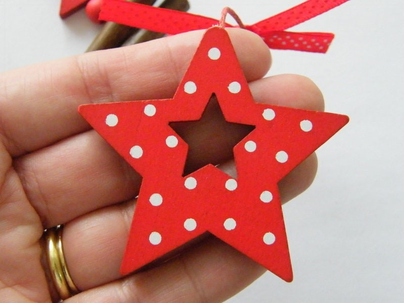 1 Christmas star red white dots embellishment wood CT