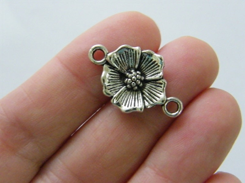 8 Flower connector charms antique silver tone F30