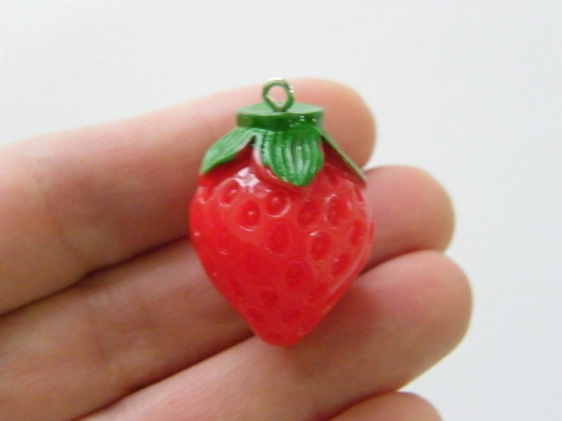 4 Strawberry pendants red green resin FD460