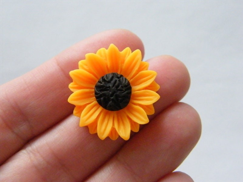 8 Sunflower flower embellishment cabochon orange brown resin F354