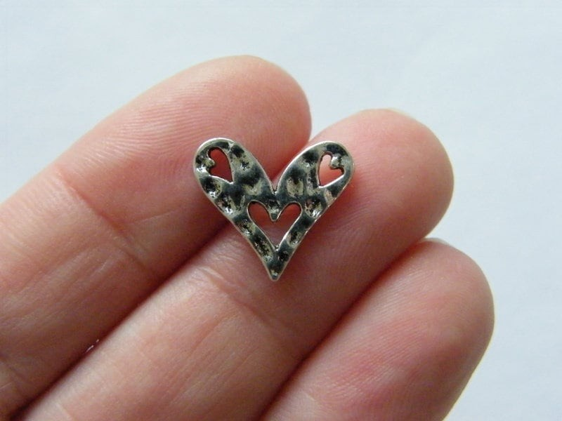 12 Heart connector charms antique silver tone H57