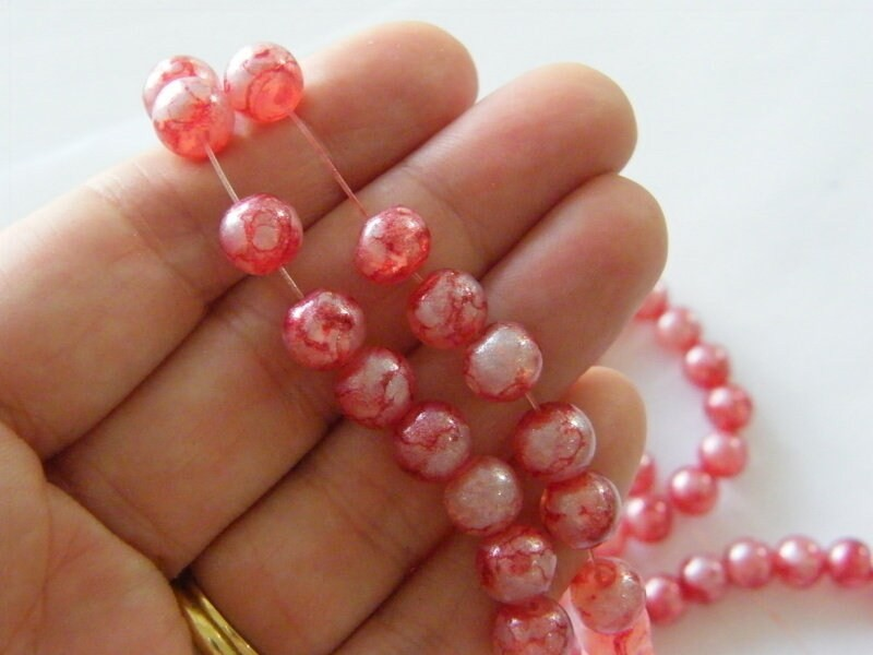 95 Wine red and silvery white glitter beads glass B187