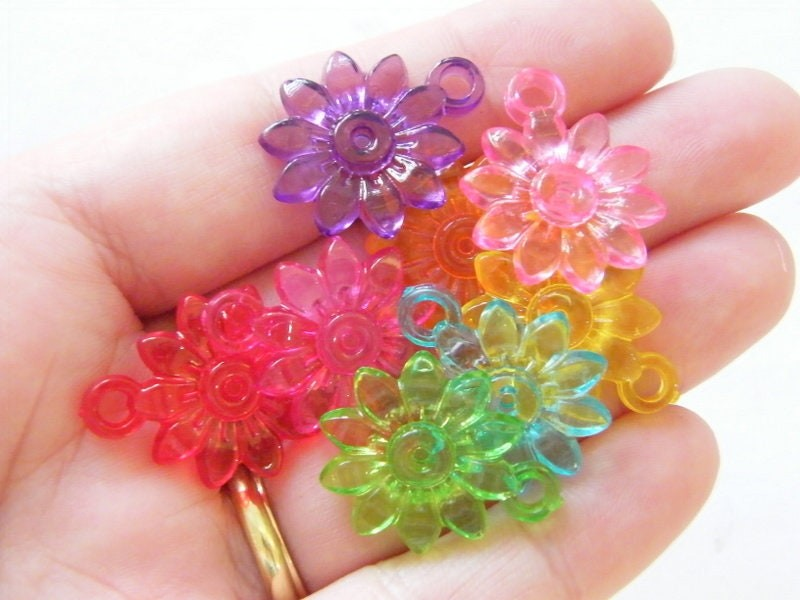 50 Flower pendants random mixed acrylic F206