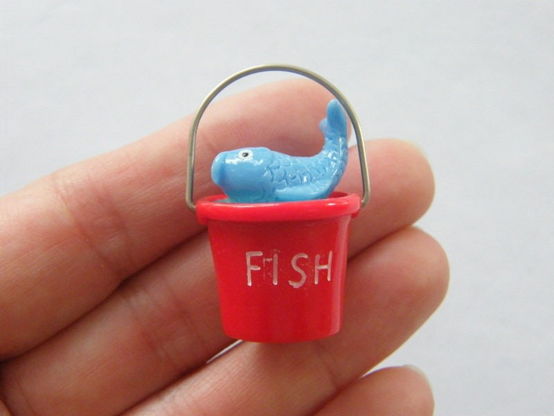 1 Bucket fish dollhouse miniature resin P123