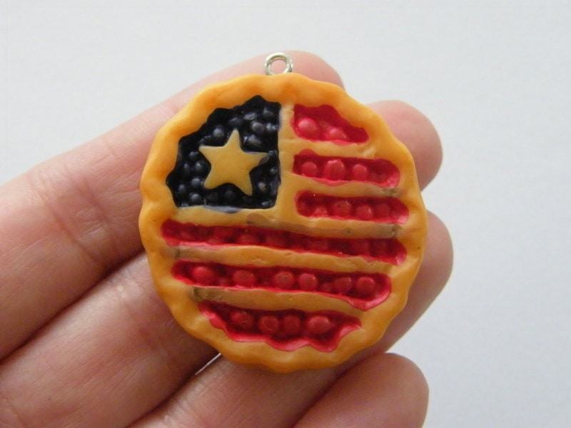 4 American flag USA  berry fruit pie pendant resin FD569