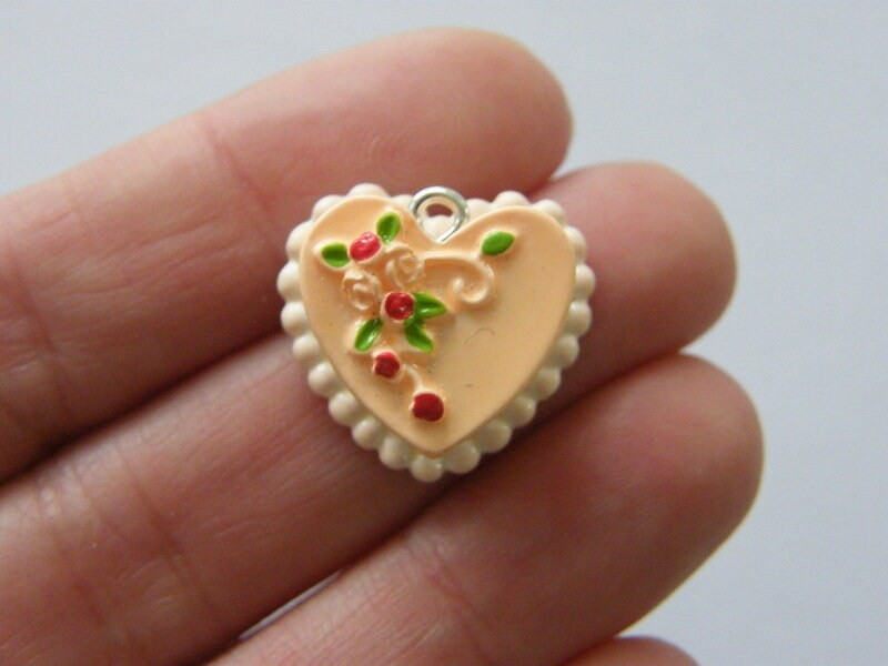 2 Wedding cake pendants resin FD588